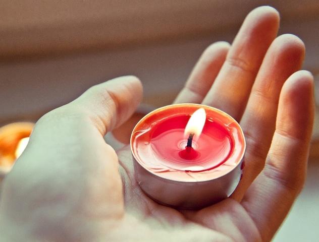 Christophorus-Kliniken Krankensalbung im Coesfelder Krankenhaus Thema Lichter der Hoffnung