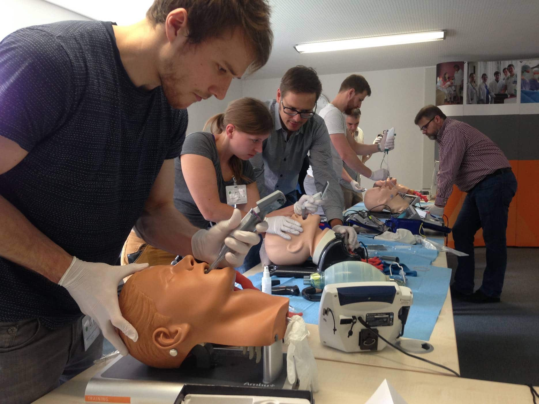 Christophorus-Kliniken Klinik fuer Anaesthesie und operative Intensivmedizin richtete landesweiten Workshop fuer Notaerzte zu Atemwegsmanagement aus