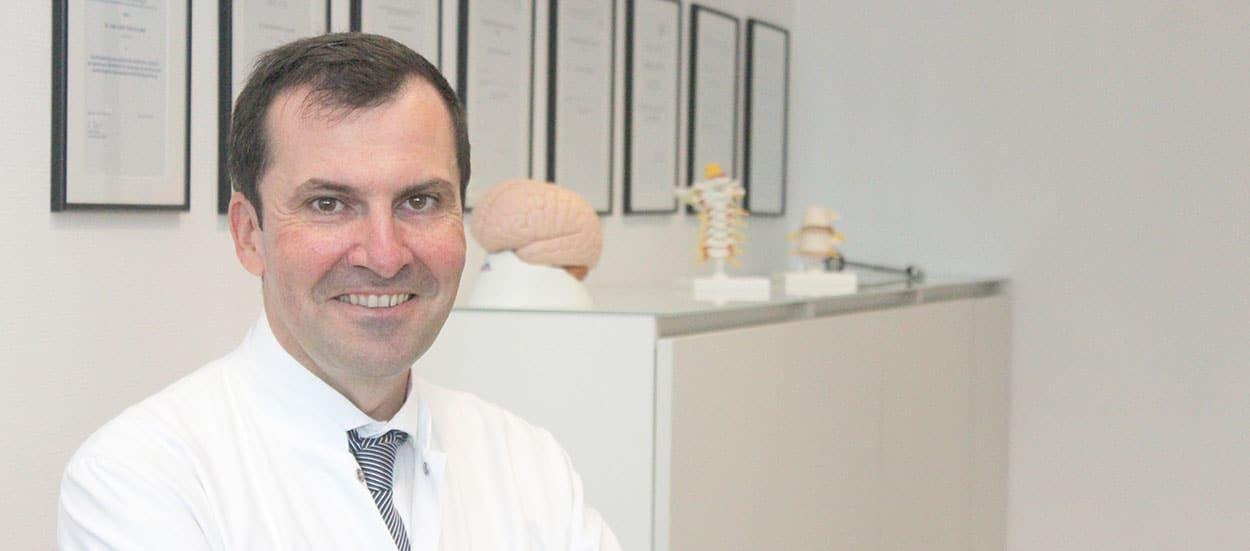 Dr. med. P. Pérez-González, Chefarzt